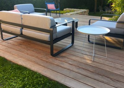 Terrasse en bois Ipe avec mobilier de jardin